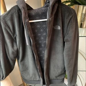 Fuzzy Northface cozy zip up